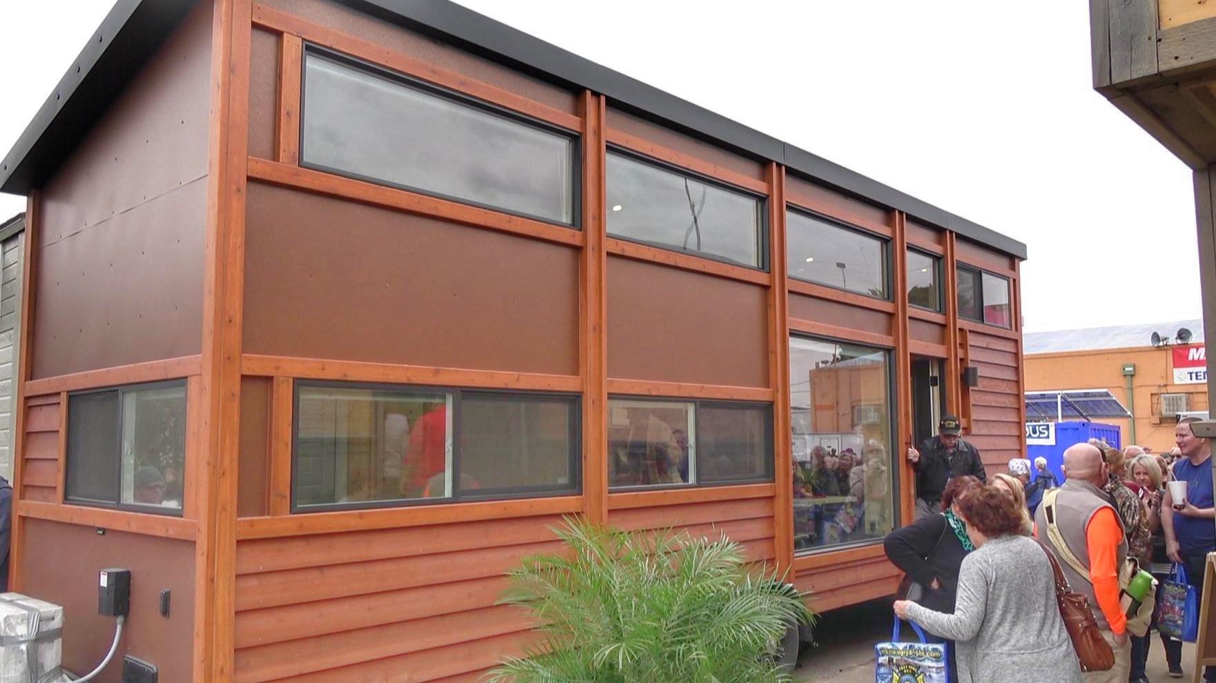 Tiny House Show – Tour Inside Homes