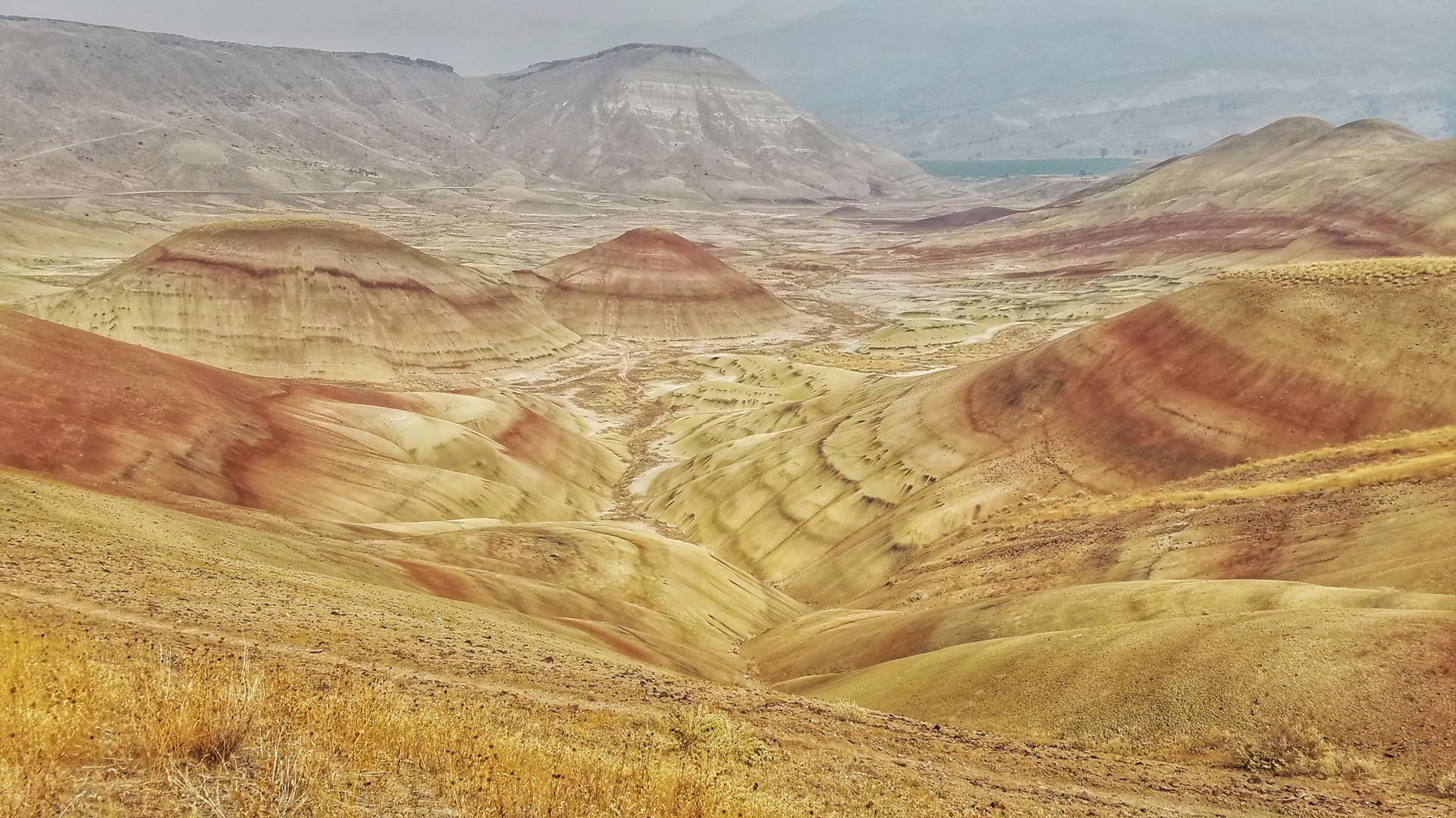 Painted Hills Oregon – John Day Fossil Beds National Monument